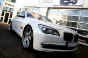 BMW 750i - White Edition